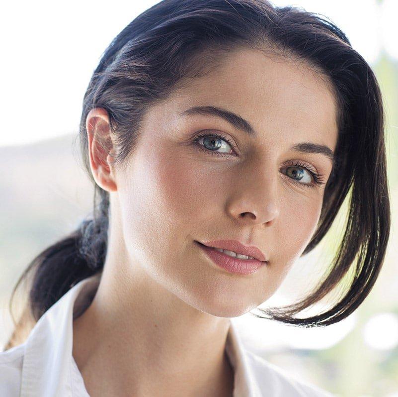 Portrait einer Frau mit schöner Haut
